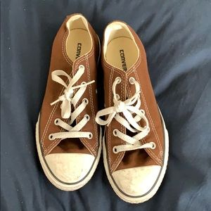 Brown converse low tops